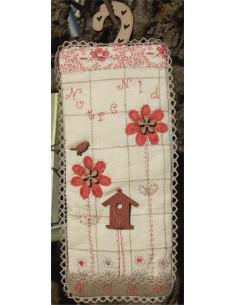 """Les Boutis de Lucie - Kit de patchwork - Bannière """"Notre Nid"""" rouge"""