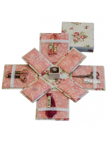 Kit de cartonnage bo te couture victorienne broderie for Kit boite a couture