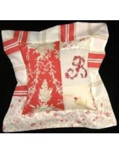 Au fil des jours - kit - Coussin patch et broderie (rouge)
