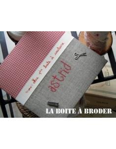 La Boîte à Broder - Ma 1ère boîte à couture - rouge