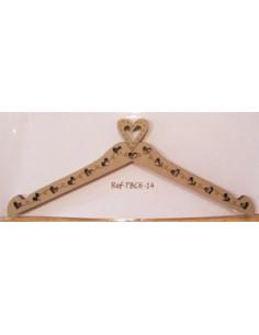 Cintre en bois - Cintre avec coeurs - 14 cm de large - beige