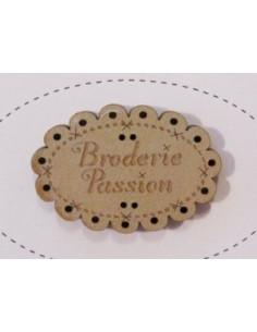 Bouton en bois - Broderie Passion