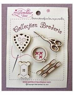 Lot de boutons en bois - Collection Broderie - bois ivoire