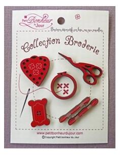Lot de boutons en bois - Collection Broderie - bois rouge