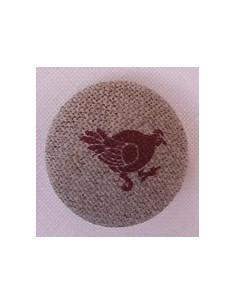 Bouton Coq rouge sur nature 1